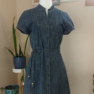 Super cute denim dress M
